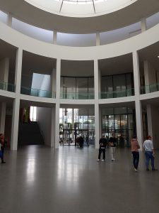 Commercial gallery - Dark gray Ultratop Loft