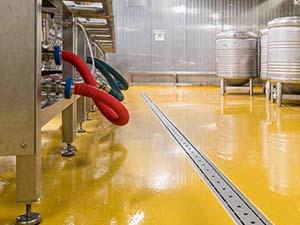 Pavimento tecnico in poliuretano cemento per il settore alimentare e chimico